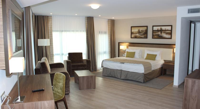 003.-Hotel-Egreta-4-stele-Dunavatu-de-Jos.jpg