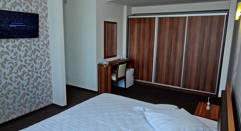 018.-Camera-Hotel-Eden.jpg