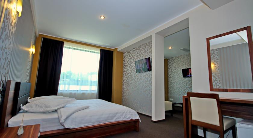 019.-Camera-Hotel-Eden.jpg